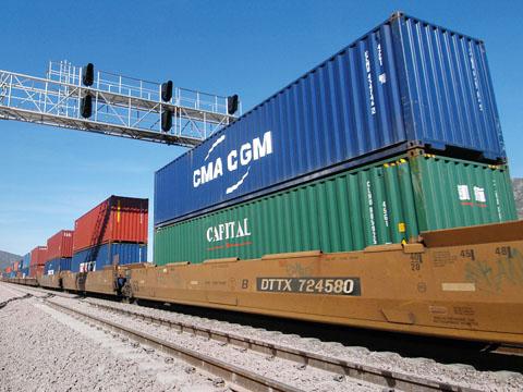 Vận tải container đường sắt Bắc Nam cùng Viettelcargo